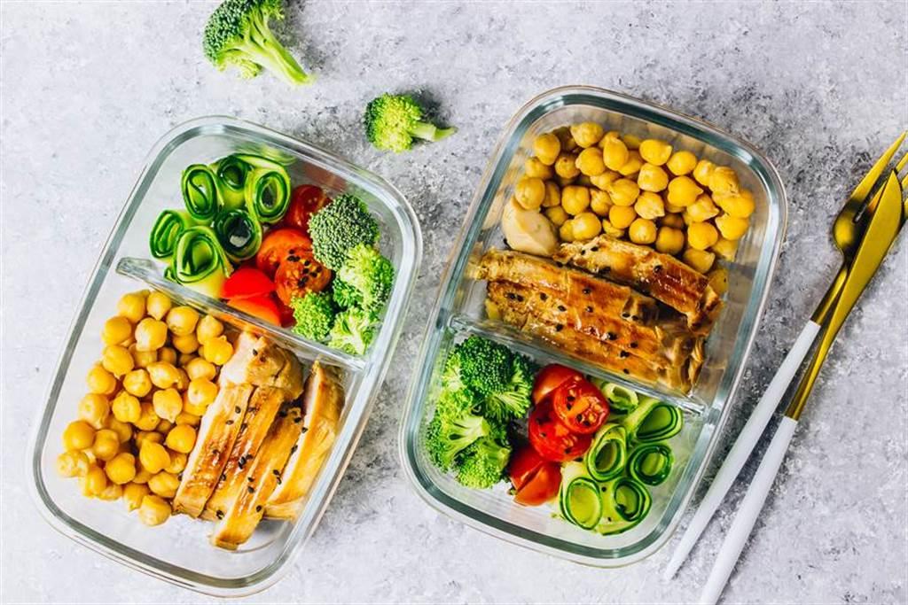 隔夜菜會致癌?營養師揭真相:保存方式很重要。(示意圖/Shutterstock)