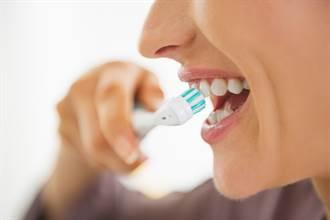 按時刷牙仍爆口臭  醫曝2招救援:用錯恐傷味覺