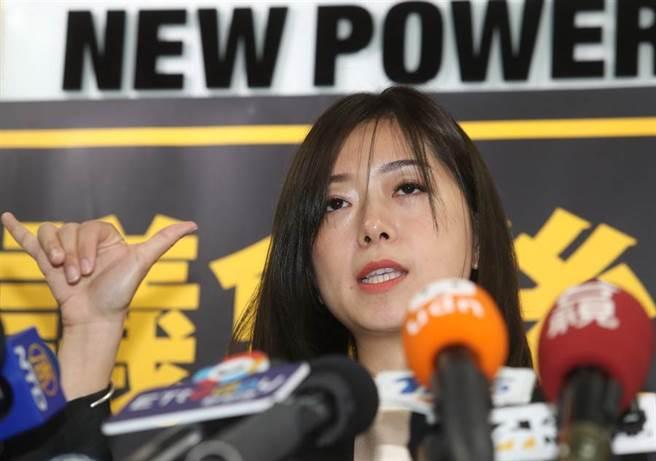 會中決策委員改選奪下第2高票的前時力副秘書長高鈺婷(見圖)接任黨主席。(陳怡誠攝)