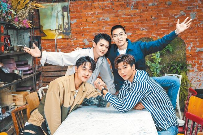 巴巴烙(前排左起)、余科宏、黃正杰(後排左起)、徐謀俊雖然年輕,但各自有歷練和成長故事。(盧禕祺攝)