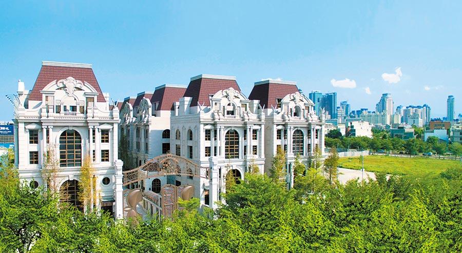 興富發針對「國家1號院」、「恆詠」、「臺中帝寶」、巴洛克豪墅「赫里翁城堡」推出巿面少見的豪宅優付專案。(興富發提供)