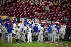 MLB》紅人、小熊板凳清空對峙 共5人被逐出場