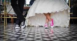 新人婚禮上偷玩情趣!新娘私密處放「震動的」 舞池上差點軟腳