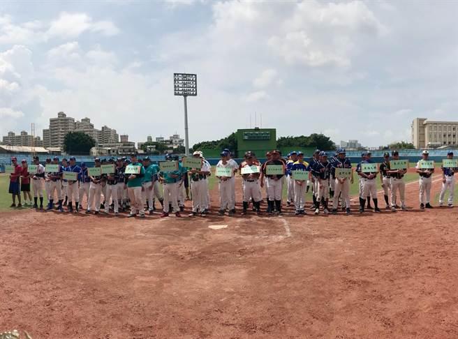 「人言盃棒球錦標賽」吸引全台各地共19所大專校院棒球隊,約500名好手參與。(台中市府提供/盧金足台中傳真)