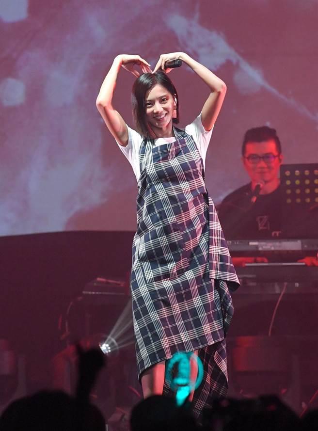 蔡黃汝今在華山Legacy舉辦「這些年教會我的事」演唱會。(盧禕祺攝)