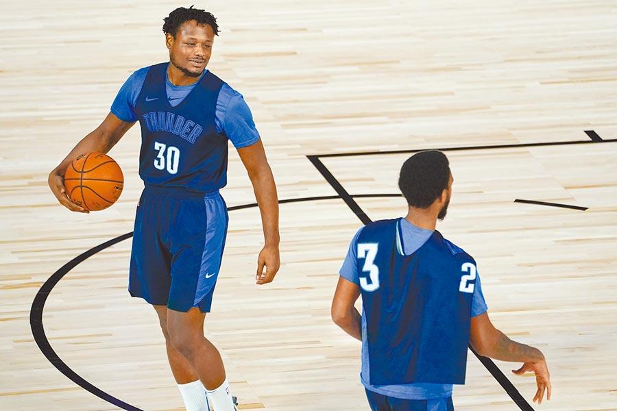NBA結束罷賽續打季後賽,圖為雷霆球員恢復訓練。(美聯社)