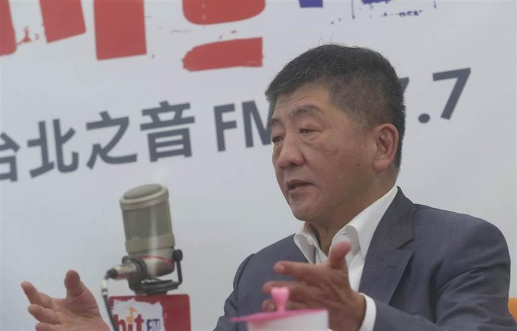 衛福部長陳時中31日接受《周玉蔻嗆新聞》電台節目專訪,表示沒有和美國衛生部長阿札爾談過瘦肉精。(劉宗龍攝)