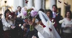 摔角冠軍迎娶千金!500賓客收「鹹濕片」新娘竟是主角 新郎「好綠」
