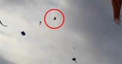 5歲弟遭「風箏纏腳」!捲飛20公尺高空 下秒尖叫墜地慘死