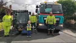 對垃圾車情有獨鍾 男童長大目標「清潔工」 雙親5歲生日助美夢成真