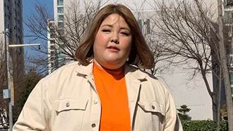 131kg吃播主「狂鏟45kg」臃腫雙下巴成V臉大眼正妹