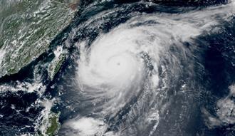 梅莎颱風眼開了 最快今晚轉強颱 午後強雷雨彈炸台