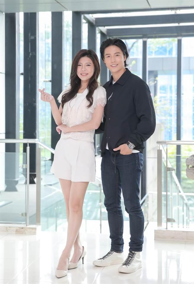 林禹和张怀媗演出《戏说台湾》全新单元「新娘神救姻缘」。(卢祎祺摄)