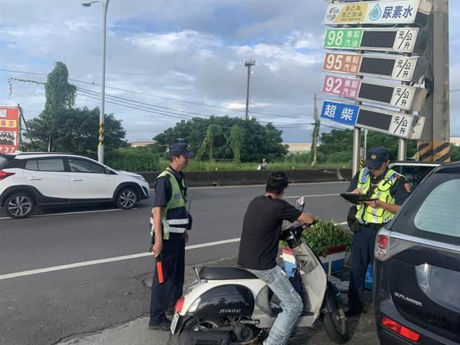 警政署將於9月1日執行為期1個月的「全國路口大執法」,而東港警分局也藉此公布轄內10大肇事路段。(警方提供/謝佳潾屏東傳真)