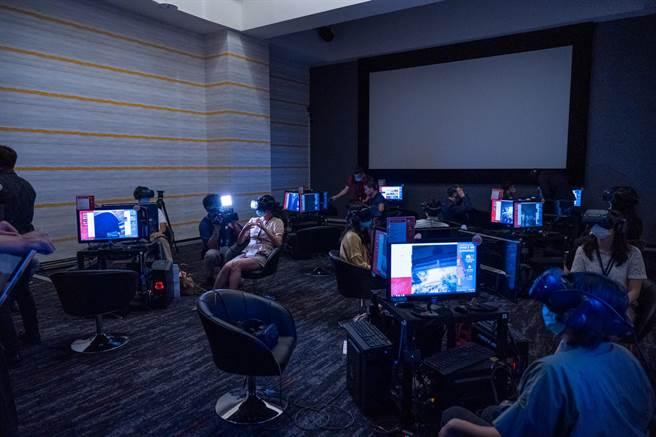 第77屆威尼斯影展將VR單元在台北VR商用劇院放映。(HTC提供)