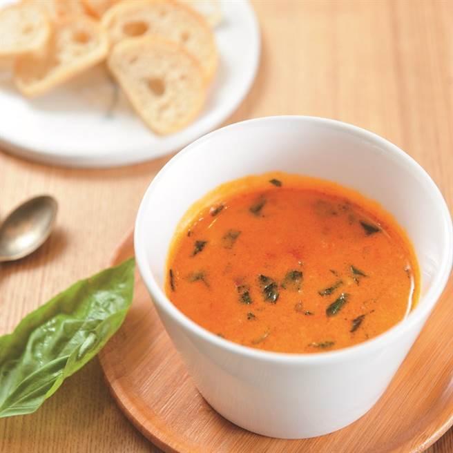 番茄甜羅勒起司醬配脆麵包。(圖片來源:陳德信)