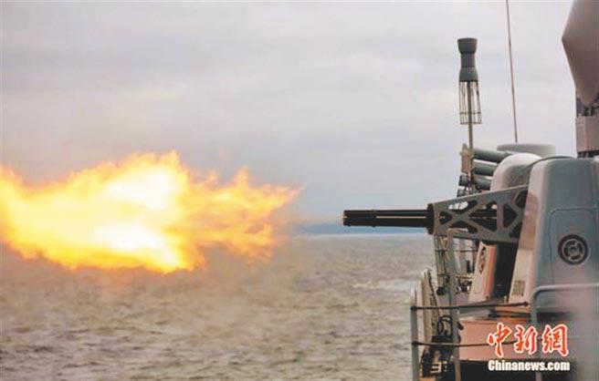 解放軍頻傳演習,唐山海事局:24日起將於渤海進行實彈射擊。圖為2017年解放軍海上演習照。(中新社)