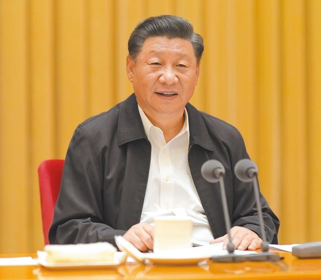 8月29日,中共總書記習近平出席西藏工作座談會發表講話。(新華社)