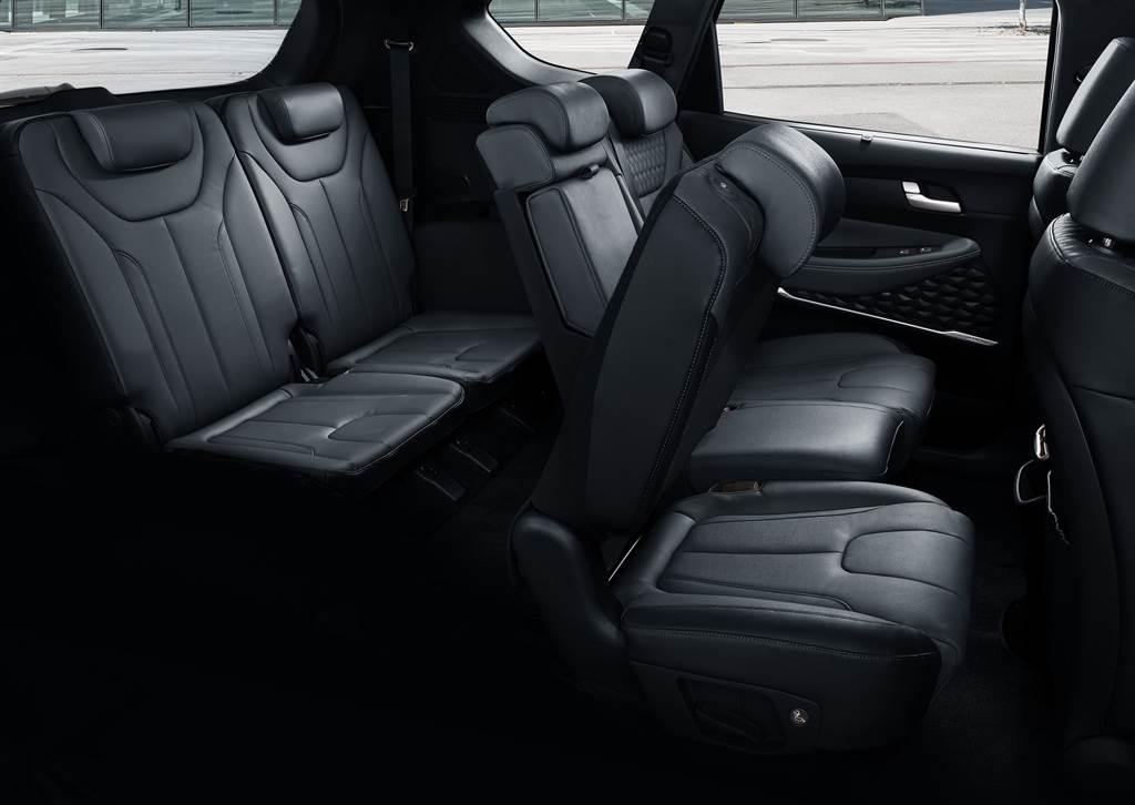 同級最佳二、三排座椅便利進出機能設計