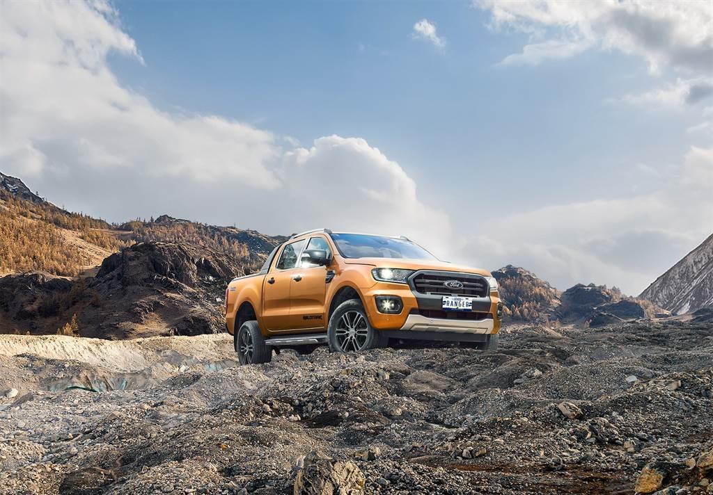 Ford於本月限量再追加Ford Ranger Texas Edition德州騎兵版,以Ford Ranger運動型加碼升級近10萬元配備,包含:美式車斗捲簾、專屬車貼及紀念車牌等專屬配備,舊換新現金優惠價NT$139.8萬
