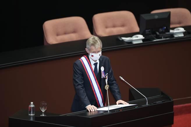 捷克參議院議長韋德齊1日率團參訪立法院,並發表演說。(姚志平攝)