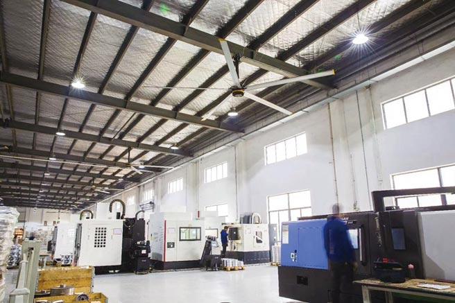 科萊斯風悅Ⅲ系列大風扇,應用在加工業廠房中使用。圖/業者提供