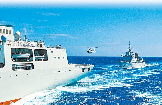 中國大陸解放軍海軍部隊近期持續展開海上實彈演習。(摘自中國軍網)