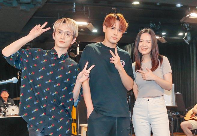 邱鋒澤(左起)、陳零九及孫盛希昨為演唱會總彩排。(盧禕祺攝)