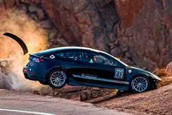 爆改特斯拉Model 3 在美國派克峰爬山賽練習時撞毀