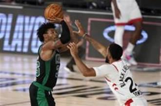 NBA》史馬特假摔被抓 第四節戰神附體助球隊逆勝