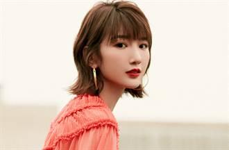 《三十而已》「鐘曉芹」透視薄紗蛋糕裙展現古典性感風采