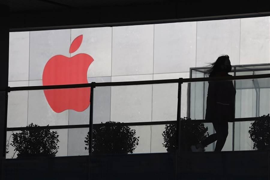 10大熱銷手機榜出爐!iPhone 11賣最好、華為槓龜。(美聯社資料照)