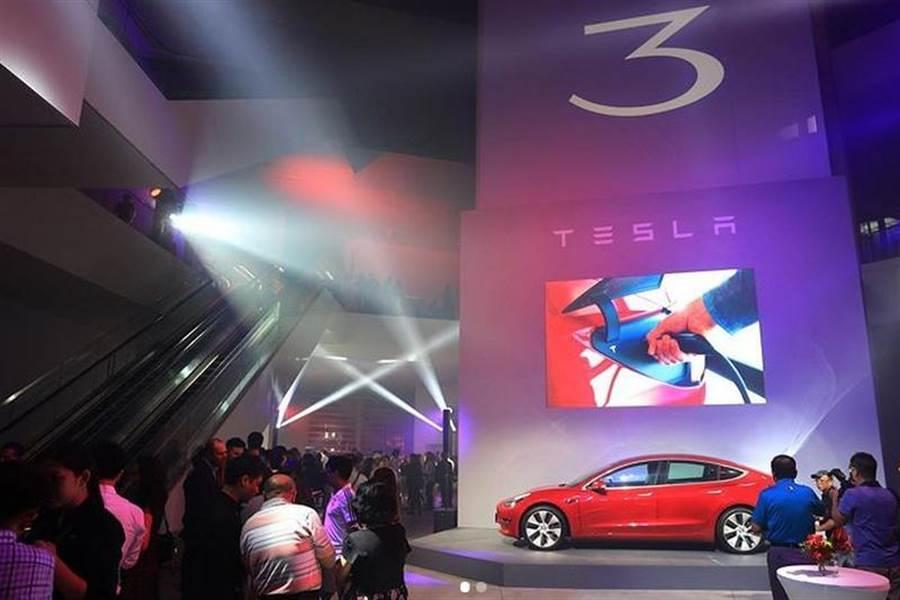 2020 年 8 月份台灣電動車銷售排行榜:Model 3 攻上豪華進口車第一名