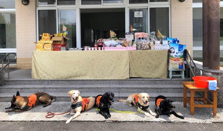 中元普渡 高雄消防局祭拜搜救犬 - 寶島