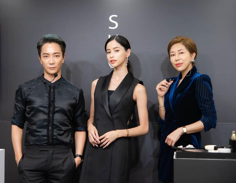 SUQQU邀請曾亞凡老師與王盈喬老師示範講解SUQQU秋冬彩妝新品。(圖/品牌提供)