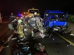國道1號新營段深夜重大車禍 3車連環撞2死1傷