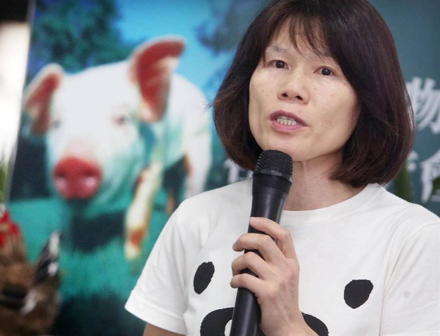 台灣動物社會研究會副執行長陳玉敏說,溫體豬肉並未如民眾想像中的新鮮衛生。(范揚光攝)