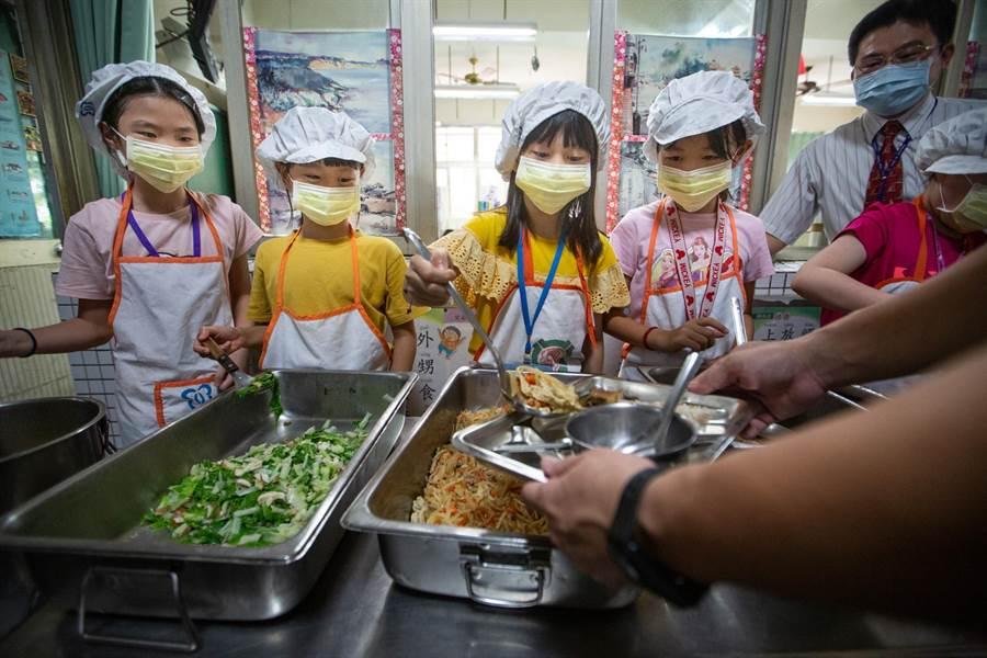 國產食材優先 高市學校與業者簽聯合行動宣言 - 生活