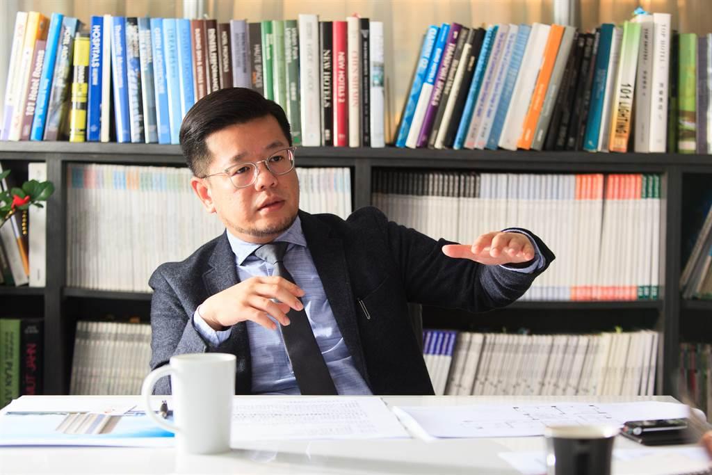欣詮建設董事長陳聖中認為建築必須創造永恆價值,才對得起城市。