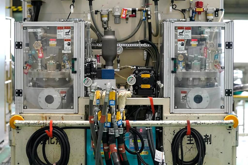 Nissan實現了碳纖維零件生產的突破 未來將更廣泛運用