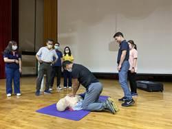 落實急救訓練 新化高中教職員比賽搶救安妮