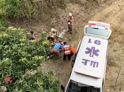山上區機車與腳踏車擦撞  騎士摔下6公尺深邊坡