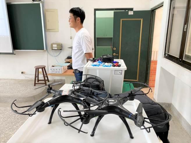 國立卓蘭高中4日起開辦無人機農噴技術課程,吸引青年目光,盼提升人才留鄉意願。(卓蘭高中提供/巫靜婷苗栗傳真)