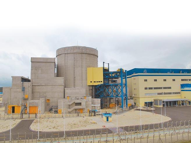 大陸國務院重啟核電審批,圖為海南昌江核電廠外景。(中新社資料照片)