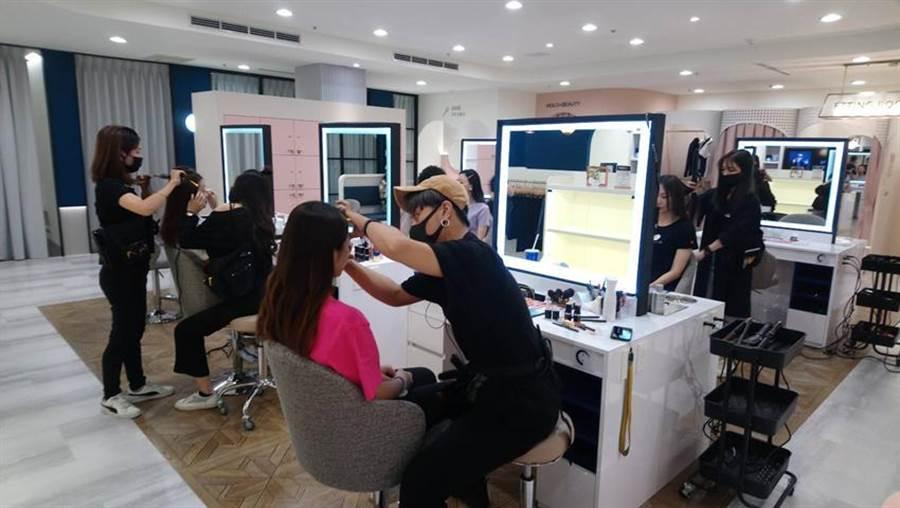 「Holo+FACE」攝影館插旗台中中友百貨 - 財經