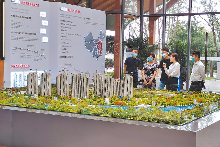 河北石家莊的新建案舉辦銷售活動。(中新社資料照片)