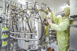 陸與11國開發疫苗 進入3期臨床