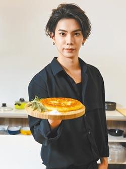 楊宇騰不急戀愛靠煮菜紓壓