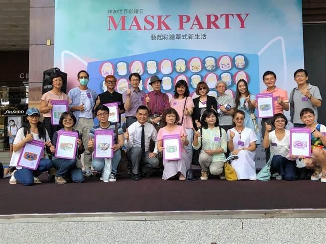 (由國際彩墨畫家聯盟發起的「世界彩墨日」活動,連續四年在中友百貨舉辦。圖/曾麗芳)