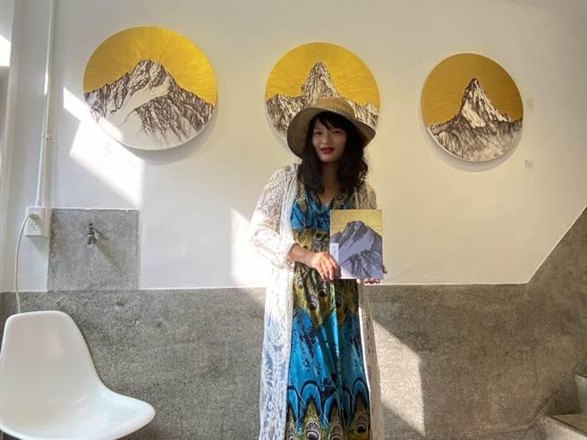 藝術家黃愛淳的須彌山創作個展即日起在台南市中正路「錦源興」空間展至19日。(曹婷婷攝)